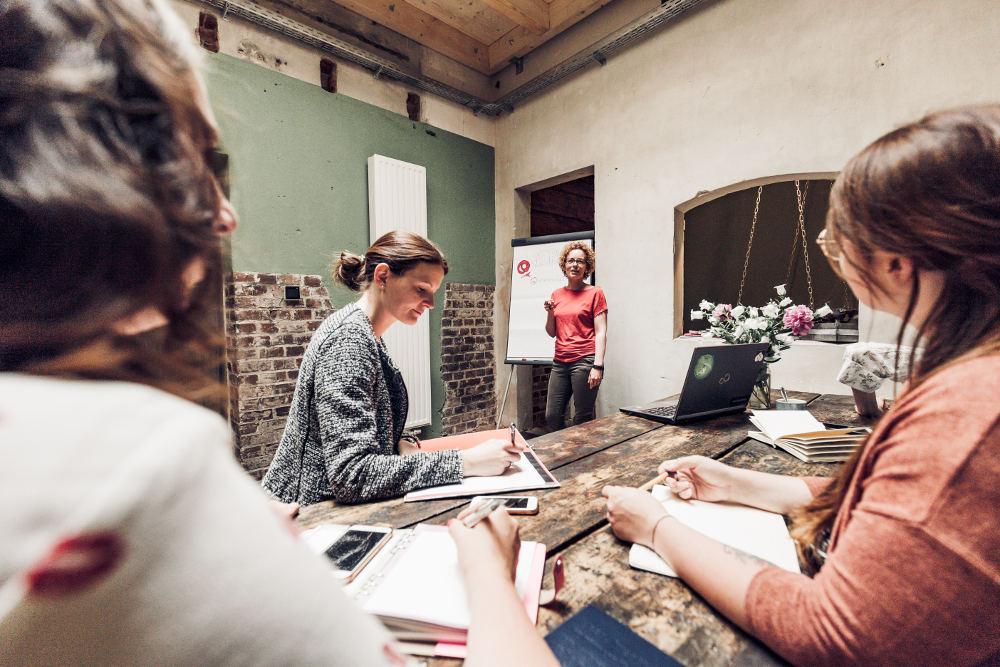 KraemerLoft-Coworking-Erfurt_Workshop-in-der-Lounge